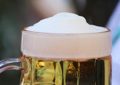 kachelofa-hoffest-bier-vom-fass