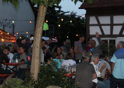kachelofa-hoffest-gaeste-stimmung-bei-nacht