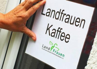 kachelofa-hoffest-landfrauen-kaffee-schild