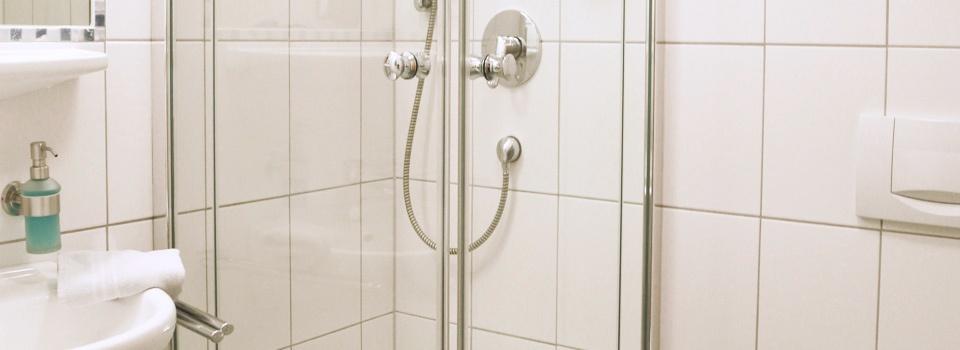 Badezimmer der Pension Kachelofa